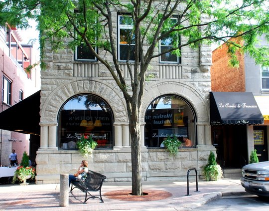 Dog Friendly Restaurants In Naperville, IL, US